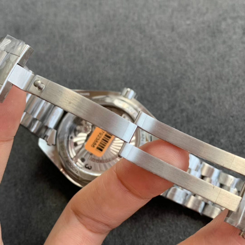 VS欧米茄海马600GMT太极圈,【揭秘】到底怎么样?